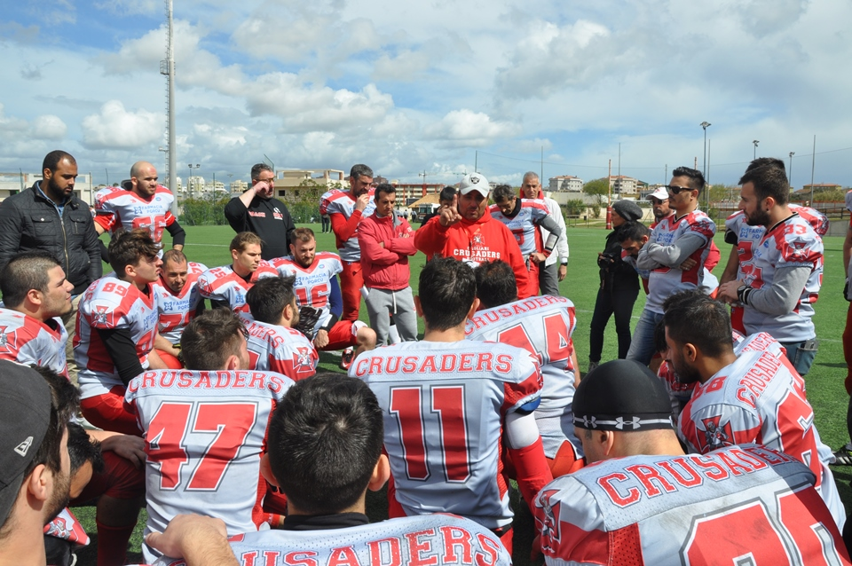 Coach Polese a colloquio con i Crusaders (foto Battista Battino)