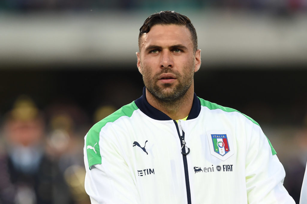 Salvatore Sirigu con la maglia dell'Italia (Photo by Valerio Pennicino/Getty Images)