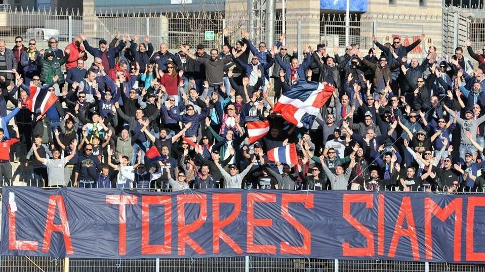 "I tifosi della Torres al ""Vanni Sanna"" (foto: Alessandro Sanna)"